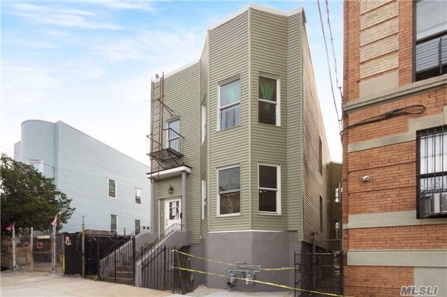 1534 Bryant Ave, Out Of Area Town, NY 10460