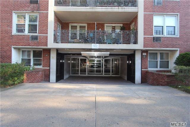 144-30 Sanford Ave #5n, Flushing, NY 11355