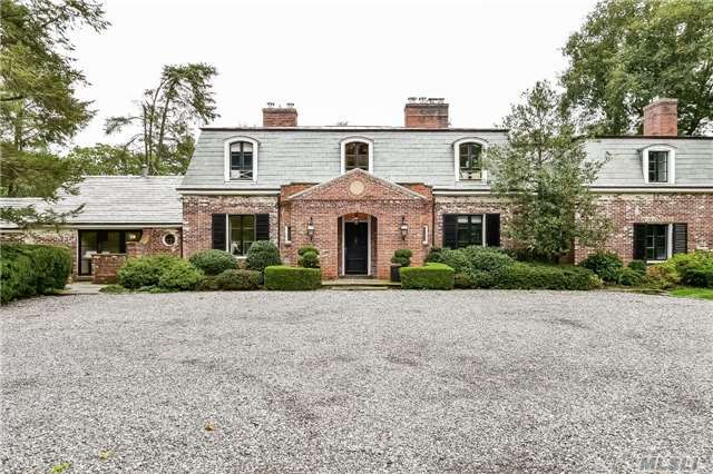 869 Private Rd, Old Brookville, NY 11545