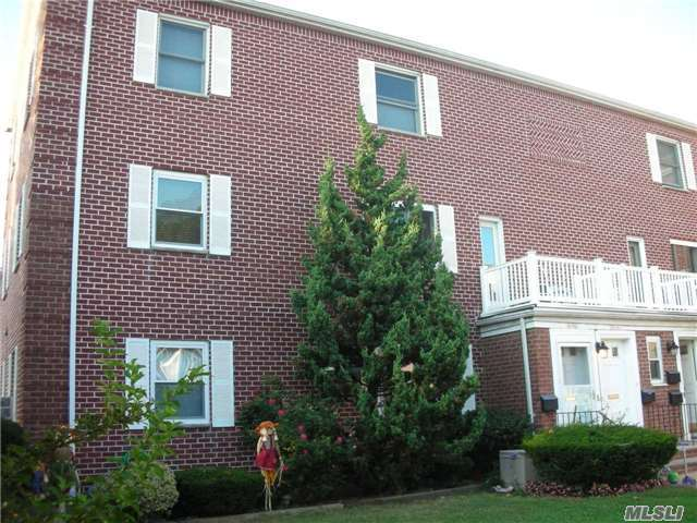 74-11 Little Neck Pky #H2+3, Glen Oaks, NY 11004