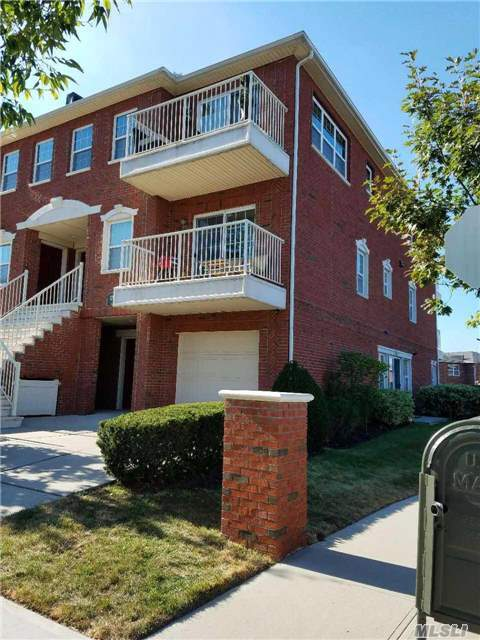 123-07 Lax Ave #A, College Point, NY 11356