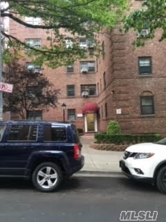 Photo of 102-25 67th Rd #1e, Forest Hills, NY 11375
