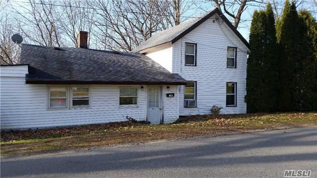 127 Maple Ave, Out Of Area Town, NY 12020
