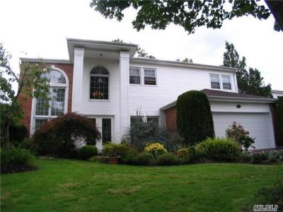 Photo of 119 Fairway View Dr, Commack, NY 11725