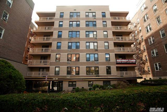 65-50 Wetherole St #6d, Rego Park, NY 11374