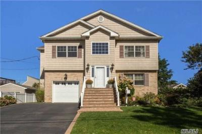 Photo of 2469 Army Pl, Bellmore, NY 11710