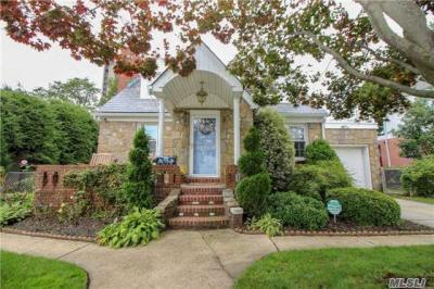 Photo of 2235 Roosevelt Ave, East Meadow, NY 11554