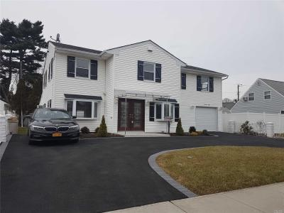 Photo of 78 Wantagh Ave, Levittown, NY 11756