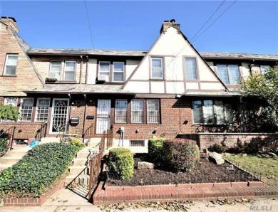 67-105 Dartmouth St, Forest Hills, NY 11375