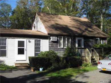 26 Swezeytown Rd, Middle Island, NY 11953