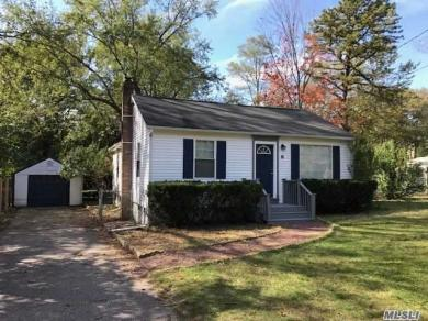 6 East St, Middle Island, NY 11953