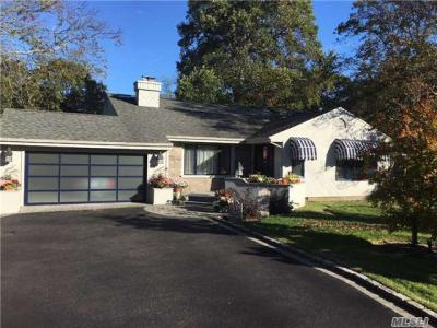 Photo of 75 Gillette Ave, Bayport, NY 11705