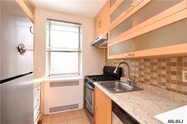68-63 108 St #3n, Forest Hills, NY 11375