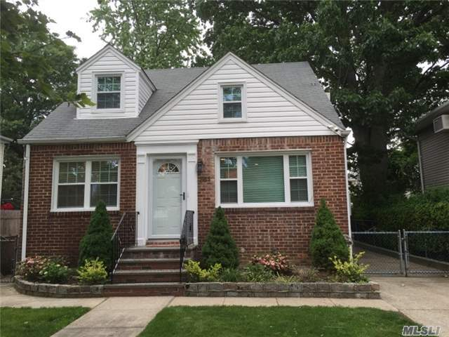 261 Mckee St, Floral Park, NY 11001