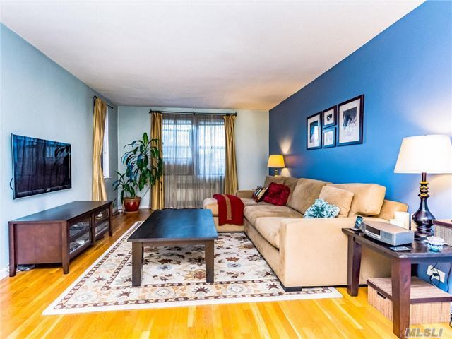 512 Kappock St #2l, Out Of Area Town, NY 10463