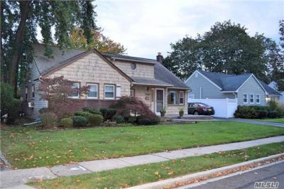 Photo of 1448 Wilson Rd, East Meadow, NY 11554