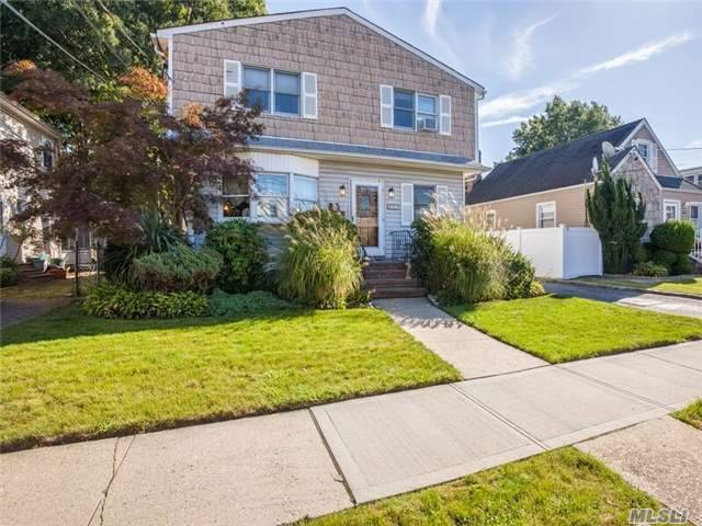 275 Ribbon St, Franklin Square, NY 11010