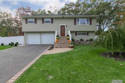 Photo of 34 Shenandoah Blvd, Pt Jefferson Sta, NY 11776