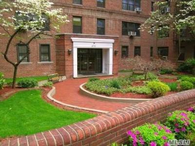 Photo of 67-71 Yellowsonte Blvd #3g, Forest Hills, NY 11375