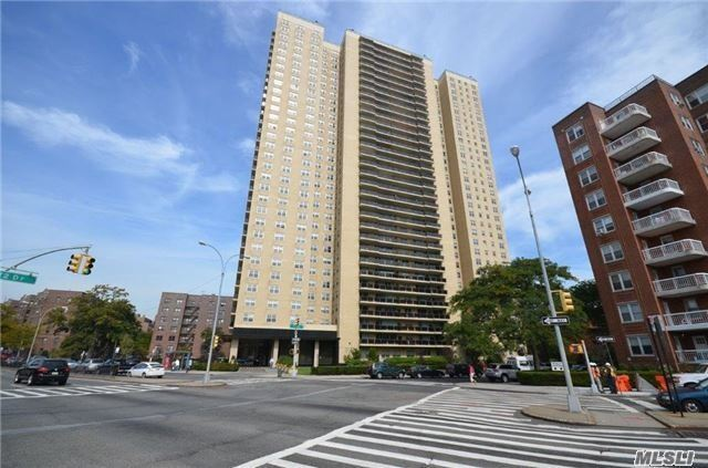 110-11 Queens Blvd #9e, Forest Hills, NY 11375