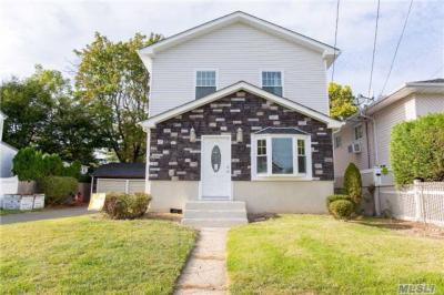 Photo of 1639 Warren St, East Meadow, NY 11554