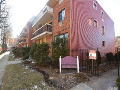 Photo of 71-30 162nd St #1, Fresh Meadows, NY 11365