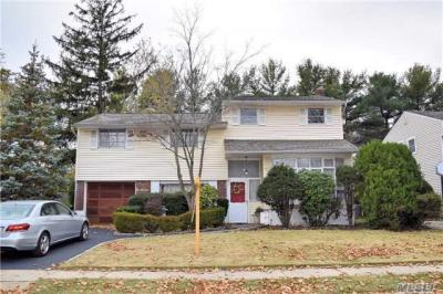 Photo of 251 Clearmeadow Dr, East Meadow, NY 11554