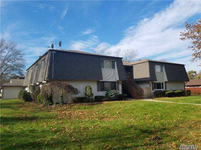 170 Feller Dr, Central Islip, NY 11722
