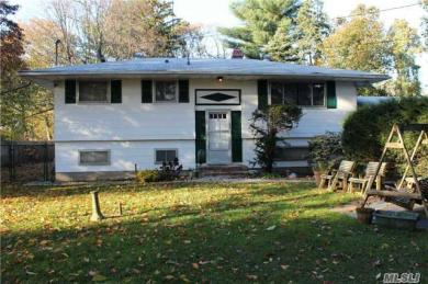 59 Colombus Ave, Central Islip, NY 11722