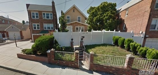 134-22 Booth Memorial Ave, Flushing, NY 11355