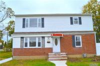1077 Gerald St, Uniondale, NY 11553