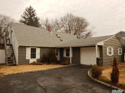 Photo of 3 Parnell Ln, Pt Jefferson Sta, NY 11776