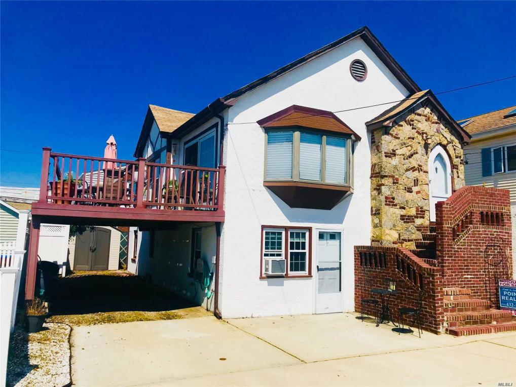 23 Freeport Ave, Point Lookout, NY 11569