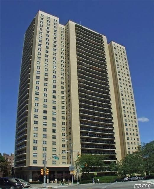 110-11 Queens Blvd #32 E, Forest Hills, NY 11375