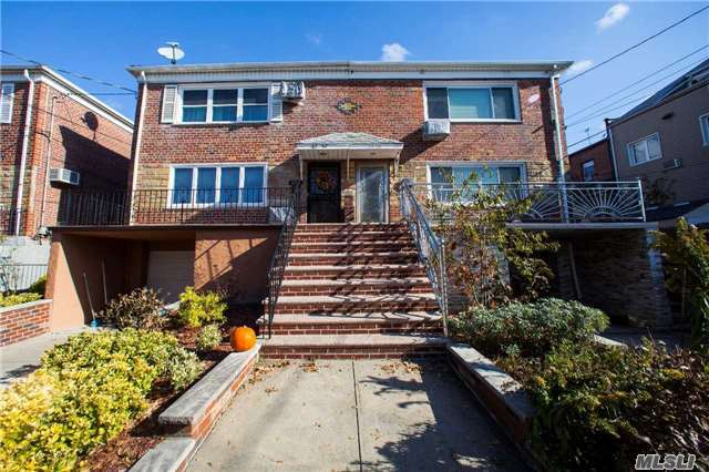 63-59 75th St, Middle Village, NY 11379