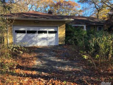 257 Southlawn Ave, Central Islip, NY 11722