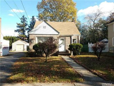 Photo of 297 Bedford Ave, Uniondale, NY 11553