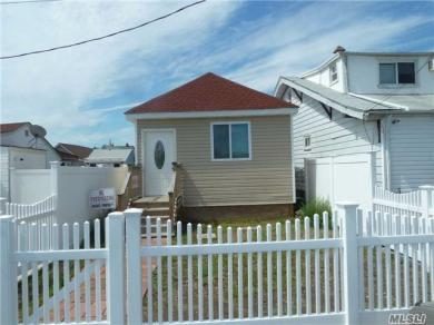 14 Church St, Howard Beach, NY 11414
