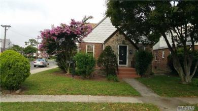 118-60 223rd St, Cambria Heights, NY 11411