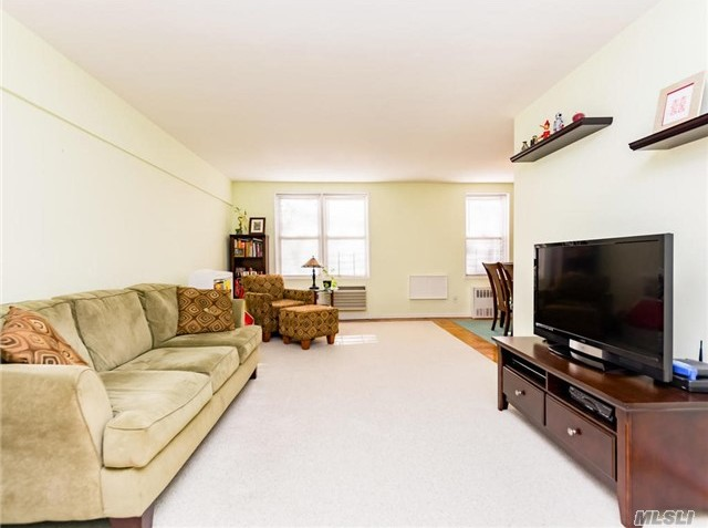 3901 Independence Ave #2j, Out Of Area Town, NY 10463