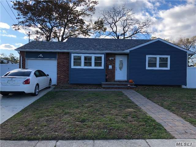 294 W 16th St, Deer Park, NY 11729