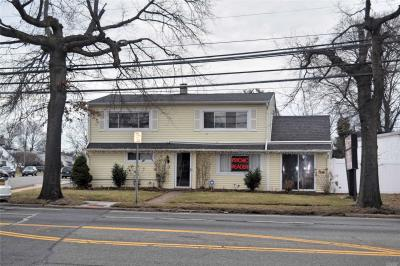 Photo of 830 Old Country Rd, Westbury, NY 11590