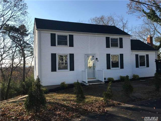 48 Clubhouse Dr, Rocky Point, NY 11778