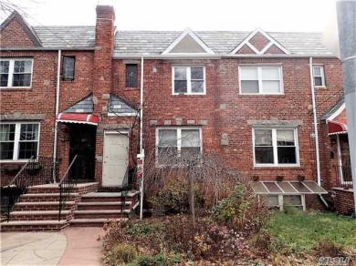 95-22 67 Ave, Forest Hills, NY 11375