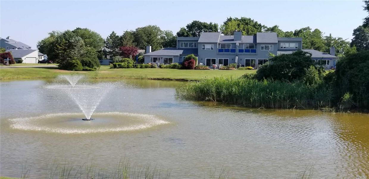 37 Harbour Dr, Blue Point, NY 11715