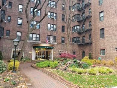 69-10 Yellowstone Blvd #502, Forest Hills, NY 11375