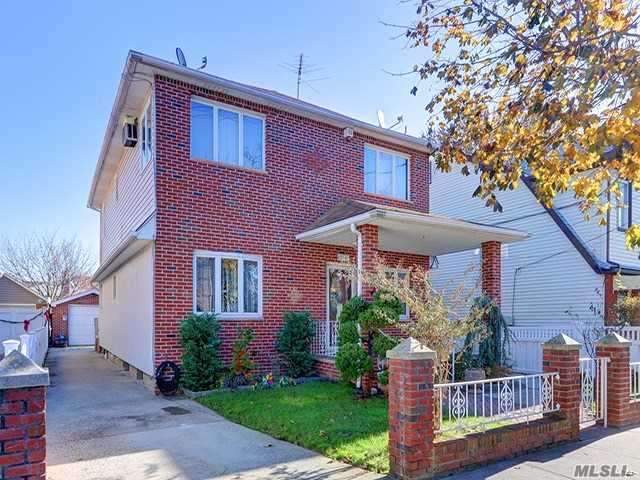 87-41 258th St, Floral Park, NY 11001