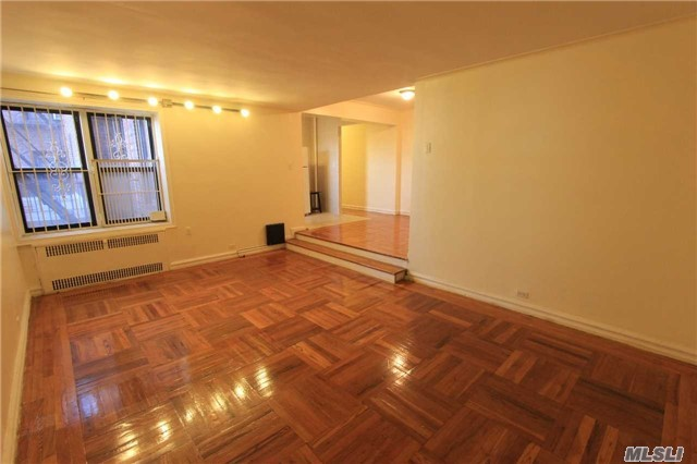 98-50 67th Ave #2i, Forest Hills, NY 11375