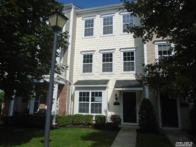 Photo of 33 Stahlman Ln #33, Patchogue, NY 11772