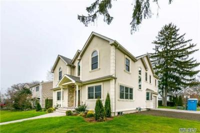 Photo of 1 Griffin Ln, Syosset, NY 11791